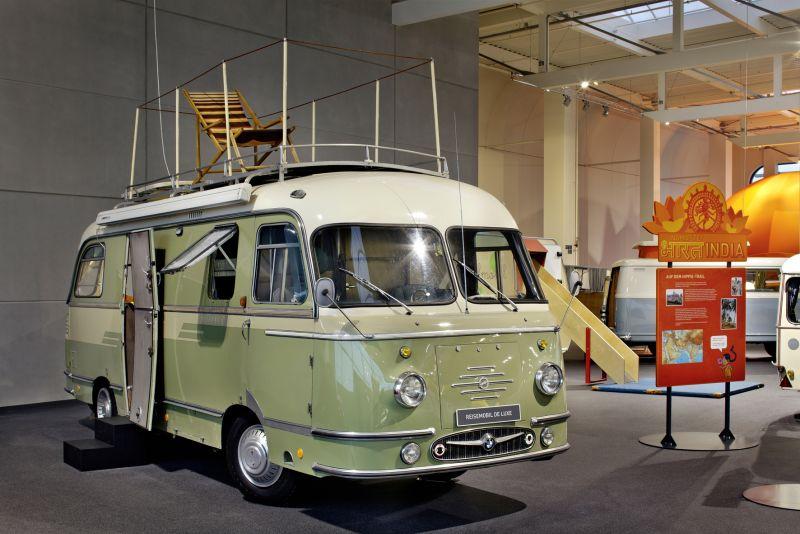 das erwin hymer museum zeigt die geschichte der wohn und reisemobile. Black Bedroom Furniture Sets. Home Design Ideas